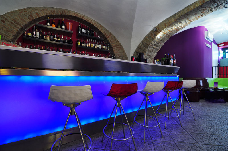 TemaLiving Arredamento e illuminazione Soho Lounge Bar